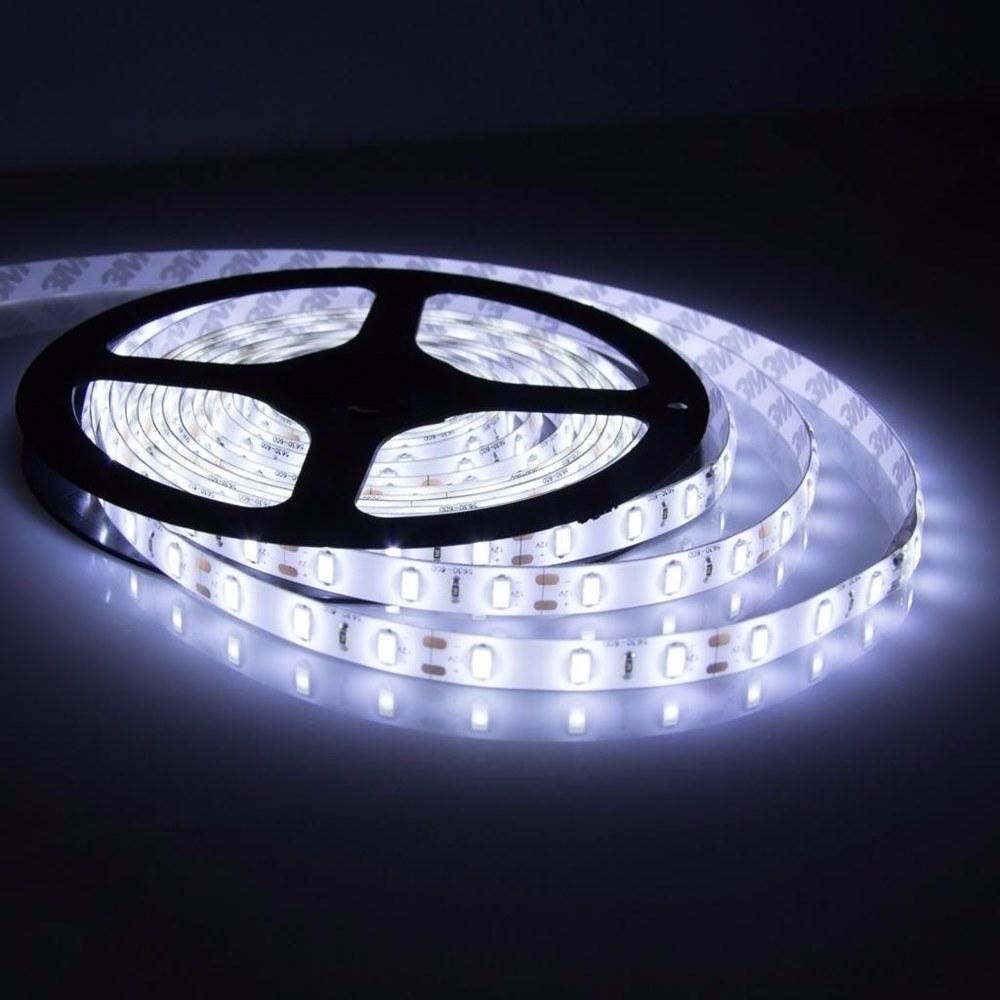 PDSHOP - PARANA DISTRIBUIDORA DE BRINQUEDOS LTDA - FITA 300 LED ADES.C/FONTE BRANCA BIVOLT/5MT CENTRO OES